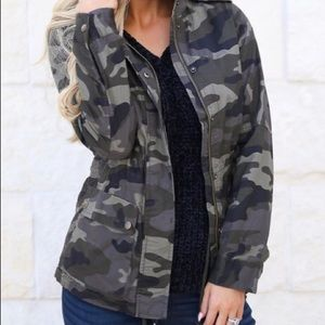 Closet Candy Rise & Grind Love Tree Camo jacket S